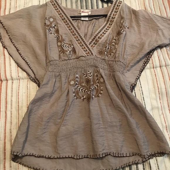 Annabelle Tops - Cute blouse